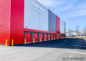 Image of CubeSmart Self Storage - NY Bethpage Stewart Facility on 909 Stewart Avenue  in Bethpage, NY - View 3