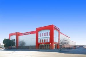 Public Storage - North Hollywood - 11620 Sherman Way Facility at  11620 Sherman Way, North Hollywood, CA