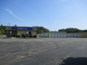 Life Storage - Saratoga Springs - 3081 New York 50 Facility at  3081 New York 50, Saratoga Springs, NY