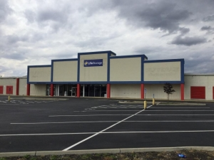 Life Storage - Columbus - 3800 West Broad Street Facility at  3800 West Broad Street, Columbus, OH