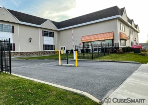 Image of CubeSmart Self Storage Facility at 59 Orinoco Drive  Brightwaters, NY