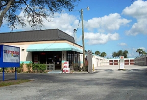 US Storage Centers - Plantation - 6701 NW 18th Ct - Photo 2