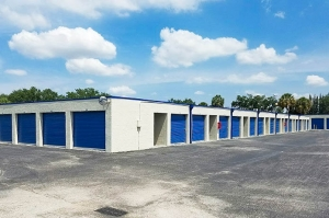 US Storage Centers - Plantation - 6701 NW 18th Ct - Photo 9