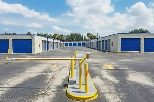 US Storage Centers - Plantation - 6701 NW 18th Ct - Photo 10