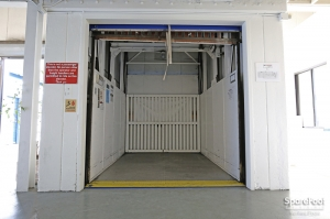 US Storage Centers - Montrose - 3708 Clifton Pl - Photo 5