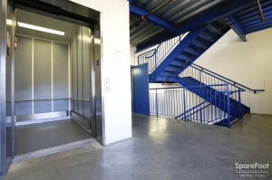 US Storage Centers - Montrose - 3708 Clifton Pl - Photo 6