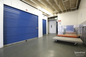 US Storage Centers - Montrose - 3708 Clifton Pl - Photo 7