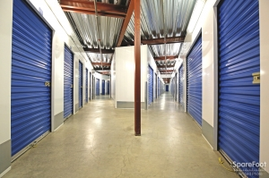 US Storage Centers - Montrose - 3708 Clifton Pl - Photo 8
