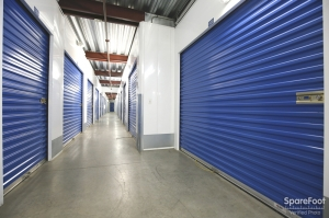 US Storage Centers - Montrose - 3708 Clifton Pl - Photo 10
