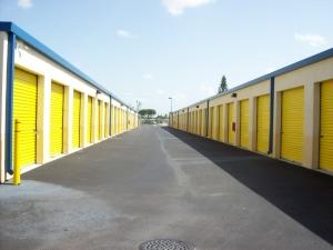 US Storage Centers - Miami Gardens - 2765 NW 207th St - Photo 3