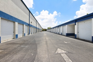 US Storage Centers - Hialeah - 3975 W 16th Ave - Photo 5