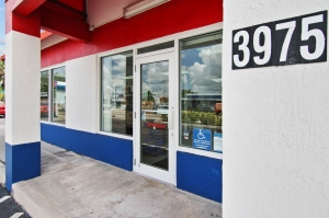 US Storage Centers - Hialeah - 3975 W 16th Ave - Photo 8