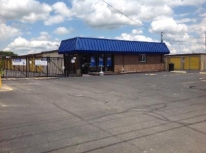 Uncle Bob's Self Storage - Austintown