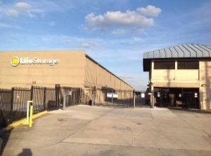 Life Storage - Orlando - South Orange Blossom Trail