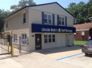 Uncle Bob's Self Storage - Newport News - Jefferson Ave