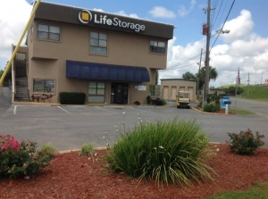 Life Storage - Pensacola - East Fairfield Drive Facility at  195 E Fairfield Dr, Pensacola, FL