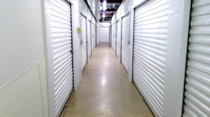 Image of Life Storage - Suffield Facility on 1395 South St  in Suffield, CT - View 2