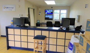 Image of Life Storage - Suffield Facility on 1395 South St  in Suffield, CT - View 3