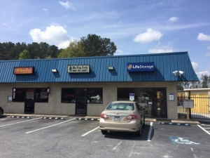 Image of Life Storage - College Park Facility at 5725 Old National Hwy  College Park, GA