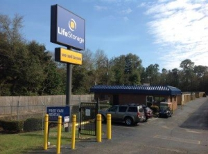 Life Storage - Pensacola - East Nine Mile Road - Photo 1
