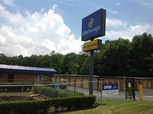 Life Storage - Pensacola - East Nine Mile Road Facility at  801 E Nine Mile Rd, Pensacola, FL