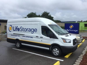 Image of Life Storage - Largo - 404 Seminole Boulevard Facility on 404 Seminole Blvd  in Largo, FL - View 3