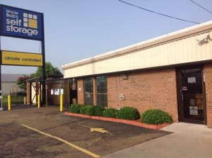 Uncle Bob's Self Storage - Jackson - 6011 I-55 N