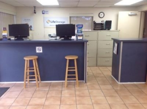 Life Storage - Orlando - Silver Star Road - Photo 5