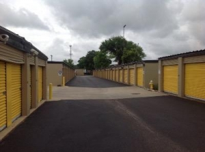 Life Storage - Montgomery - Coliseum Boulevard - Photo 2