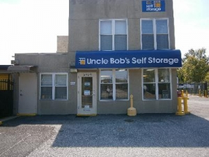 Uncle Bob's Self Storage - Landover