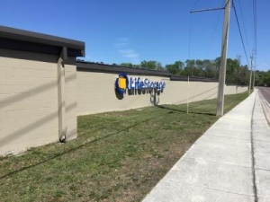 Life Storage - Jacksonville - Manotak Avenue - Photo 4