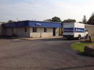 Picture of Life Storage - Youngstown