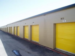 Uncle Bob's Self Storage - Dallas - 9450 Hargrove Dr - photo