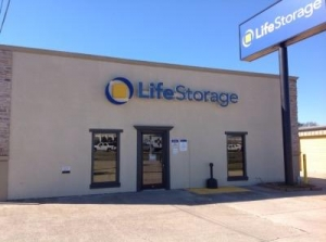 Life Storage - Baton Rouge - 11670 Airline Highway - Photo 1