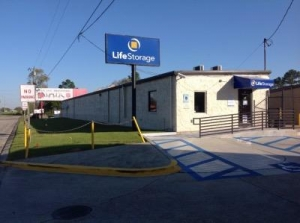 Life Storage - Baton Rouge - 7375 Airline Highway - Photo 1