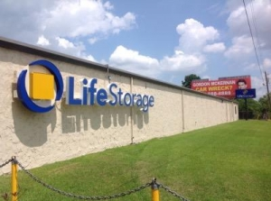 Life Storage - Baton Rouge - 7375 Airline Highway - Photo 3
