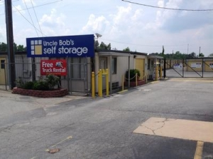Uncle Bob's Self Storage - Greensboro - High Point Rd