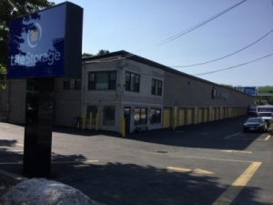Life Storage - Salem - Highland Avenue