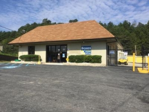 Uncle Bob's Self Storage - Chattanooga - 6601 Lee Hwy