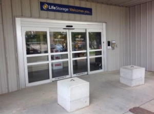 Image of Life Storage - Jackson - 5961 I-55 North Facility on 5961 I-55 N  in Jackson, MS - View 2