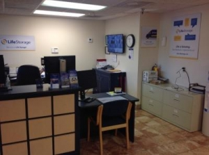 Image of Life Storage - Jackson - 5961 I-55 North Facility on 5961 I-55 N  in Jackson, MS - View 3