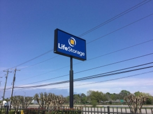 Image of Life Storage - Webster - Highway 3 Facility on 16650 Highway 3  in Webster, TX - View 4