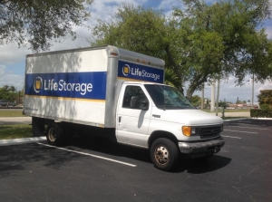 Image of Life Storage - Hollywood - North 21st Avenue Facility on 1109 N 21st Ave  in Hollywood, FL - View 4