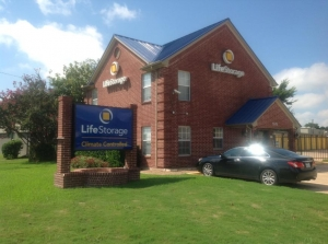Image of Life Storage - North Richland Hills Facility at 5575 Davis Blvd  North Richland Hills, TX