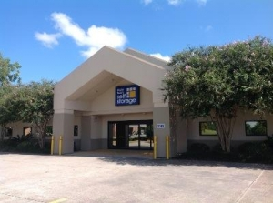 Life Storage - Lafayette - 2207 West Pinhook Road