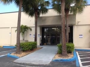 Image of Life Storage - Plantation Facility at 5605 W Sunrise Blvd  Plantation, FL