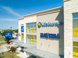 Image of Life Storage - Austin - North Lamar Boulevard Facility on 8227 N Lamar Blvd  in Austin, TX - View 4