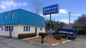 Life Storage - Methuen