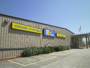 Uncle Bob's Self Storage - Lumberton