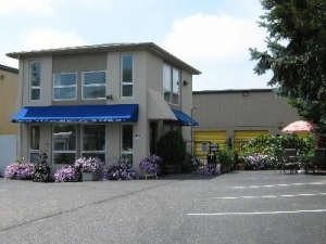 Uncle Bob's Self Storage - Southampton - 99 Mariner Dr